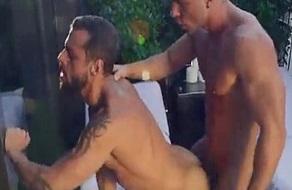 Le encanta penetrar el culo de jovencitos gays