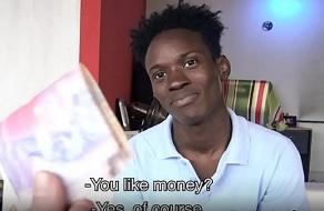 Homosexual de África pone el culo en un vídeo porno