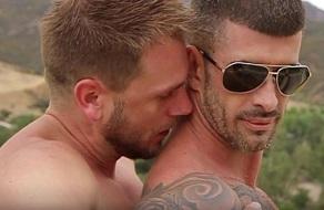 Orgía de machos españoles follados en una mansión